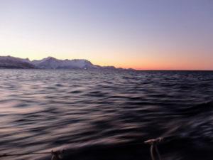 Seiling over polarsirkelen på vinteren byr på magiske øyeblikk