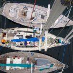 Den ytterste båten er norsk og de er på sommerferietur til Nuuk.