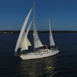 SY Yggrda skal seile jorden rundt med Johan Bernekorn som skipper.