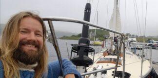 August vei i havn i Oban, Skottland